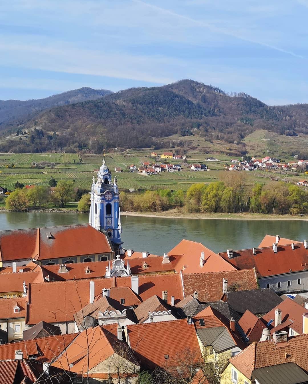 Der blaue Glockenturm vom Kloster Dürnstein