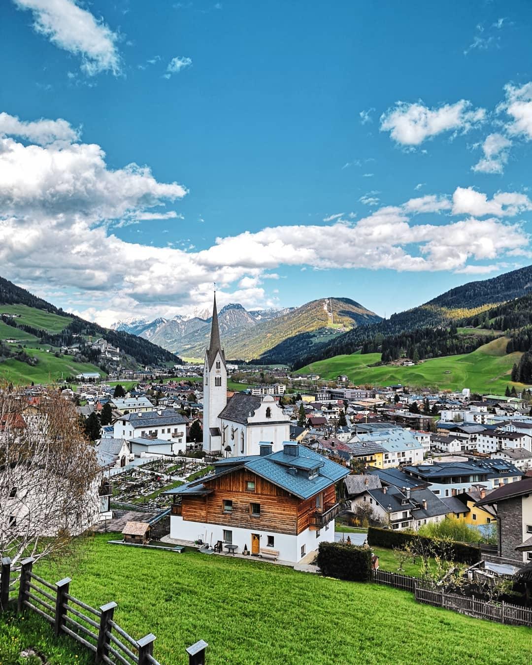 Blick über Sillian und das Osttiroler Hochpustertal