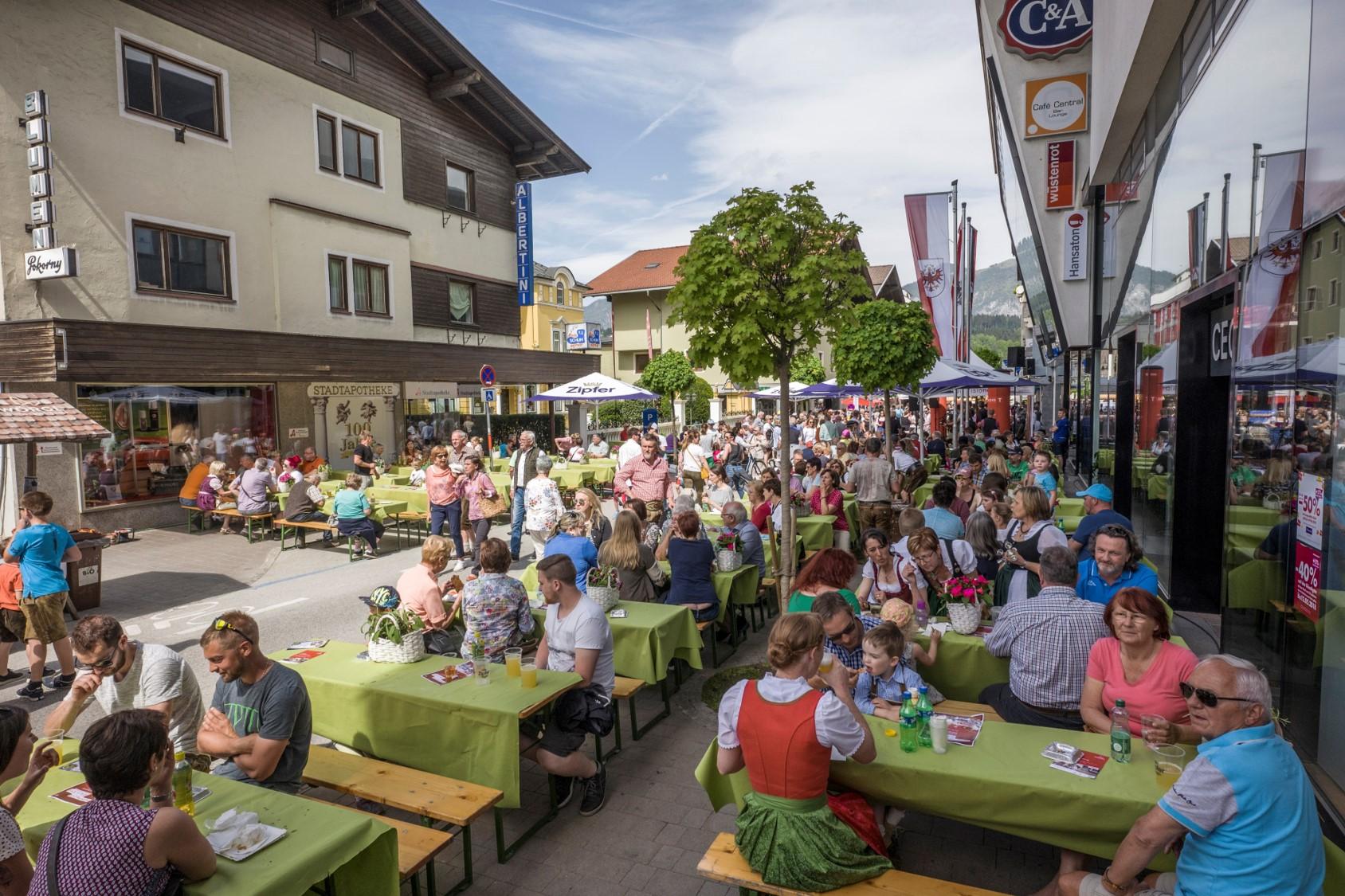 Genussvolle Stimmung beim Bauernfest in Wörgl