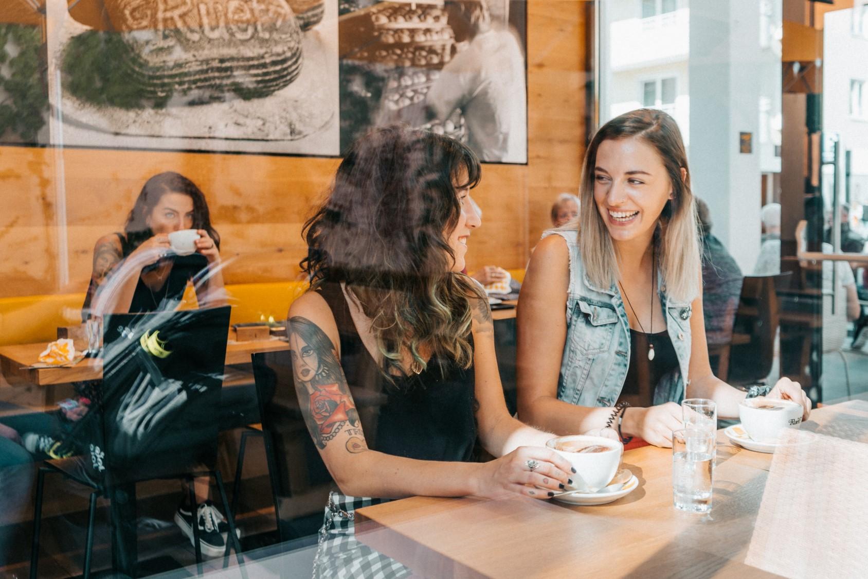 Genussvolle Momente in einem der vielen Cafes von Wörgl