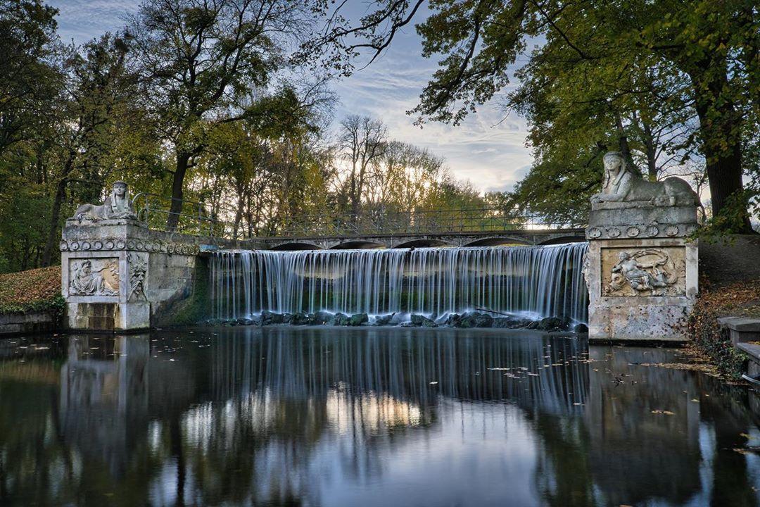 Forstmeisterbrücke im Schlosspark Laxenburg