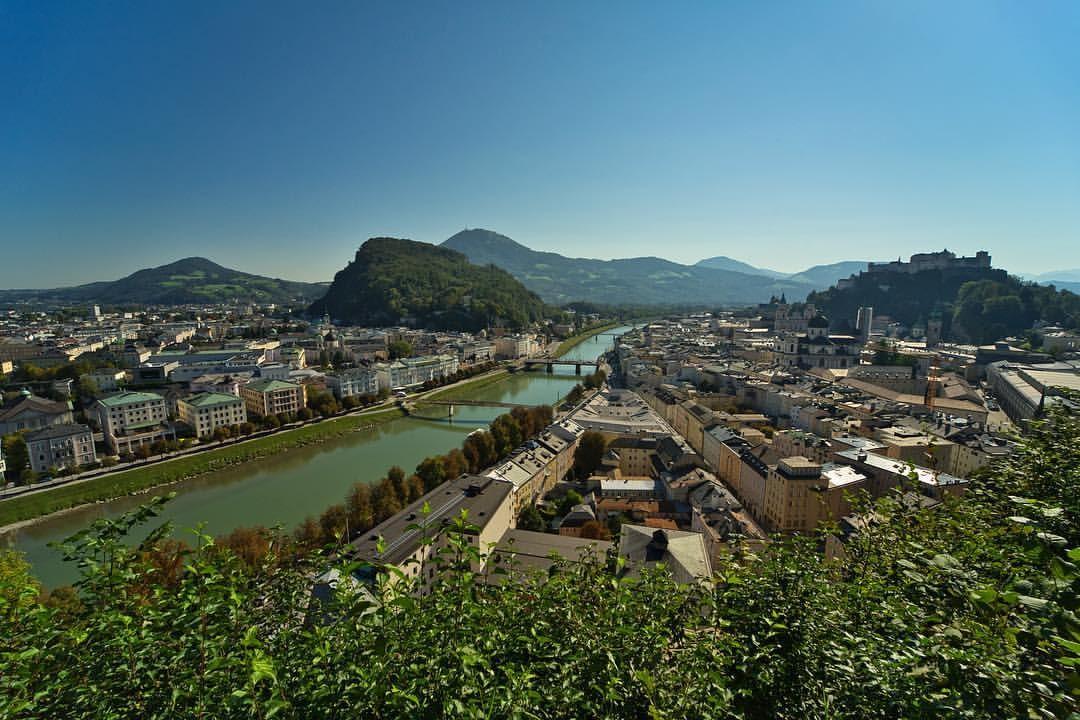 Blick vom Mönchsberg auf die Altstadt von Salzburg