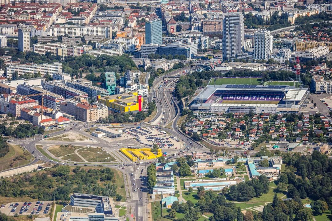 Панорама Фаворитена с Австррийским футбольным стадионом