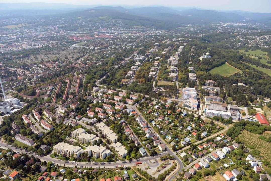 Luftbildaufnahme der Ameisbachzeile in Ottakring